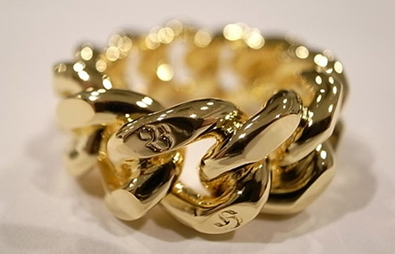 Bounty Hunter Gold Chain Ring.jpg