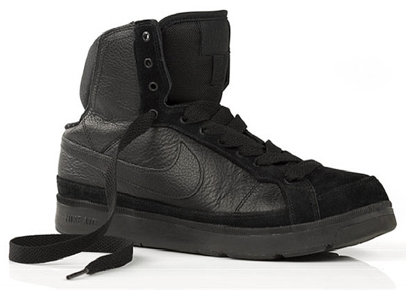 Nike Air Troupe Mid.jpg