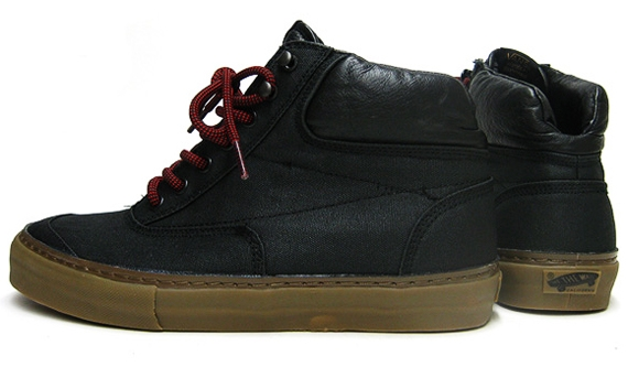 Vans 2009 Holiday Switchback Sneakers.jpg