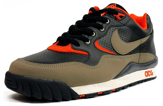 "Nike ACG Air Wildwood ""Trail Athletics Pack"" Fall:Winter 2010.jpg"